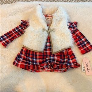 Little Las plaid top + faux fur vest